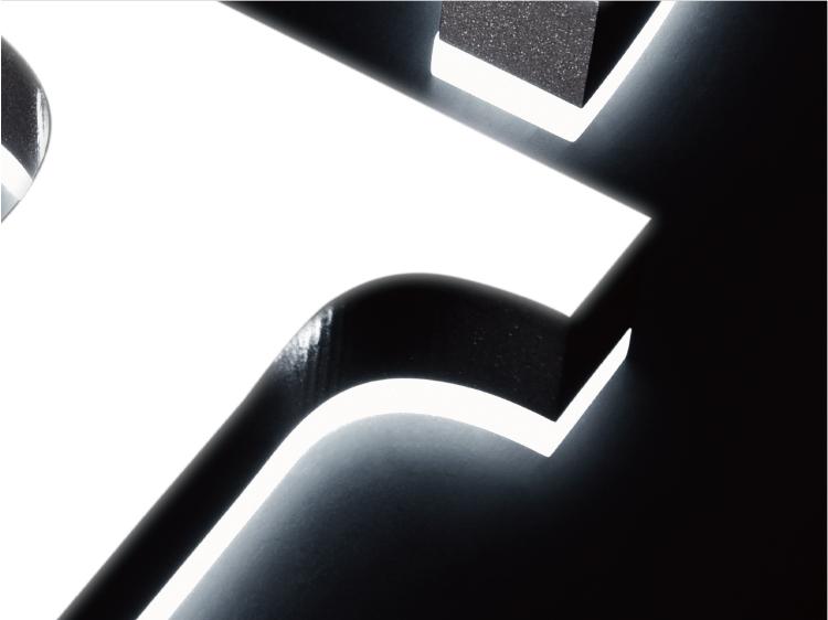 ミニアクリルチャンネル文字表面+裏板発光
